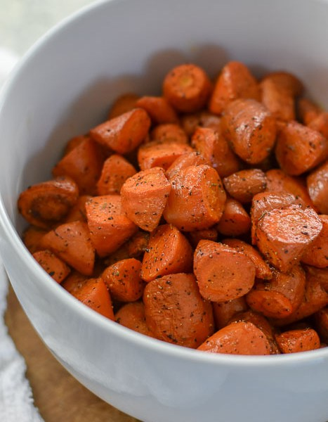 Simple Roasted Carrots (Perfect Thanksgiving Side)