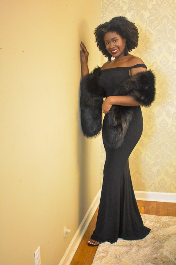 Dash of Jazz in fishtail gown and black fur stole