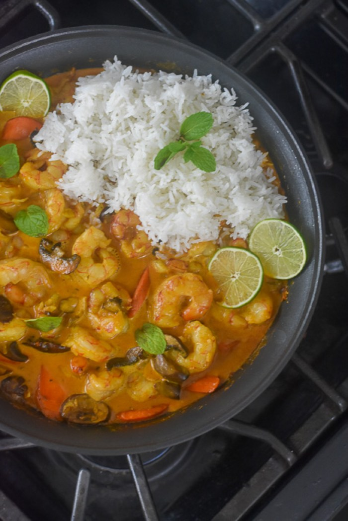 pan of curry shrimp and vegetables