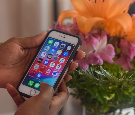 How to Spring Clean Your Cell Phone
