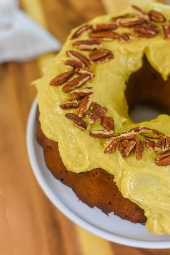 praline frosting on pecan pound cake
