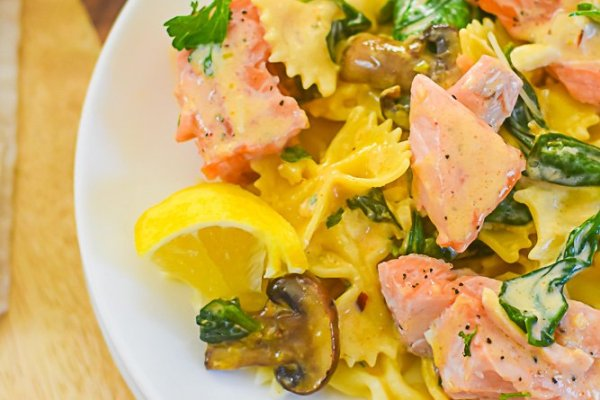 Salmon Pasta with Spicy Cream Sauce