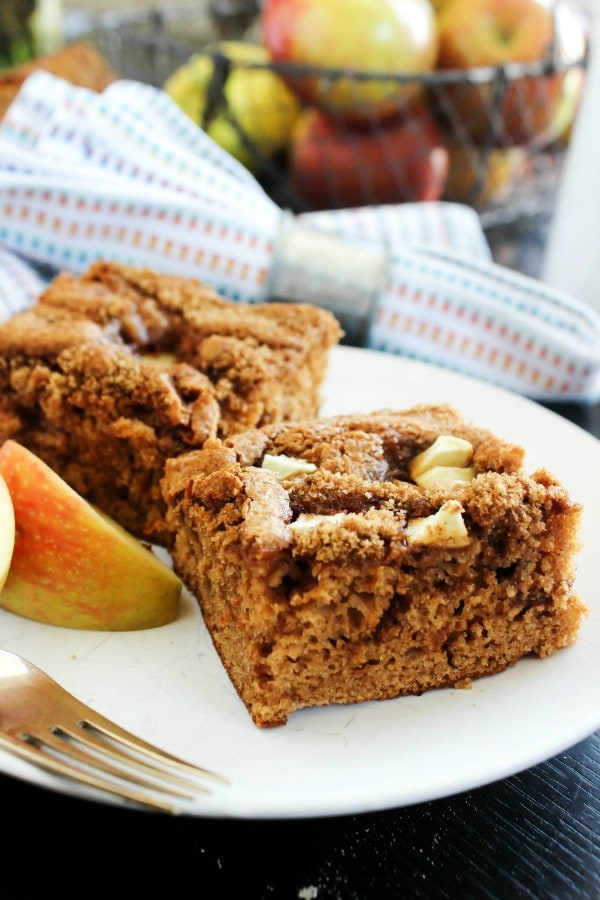 Caramel Apple Coffee Cake is a simple but delicious twist on coffee cake, made with fresh apples and a brown sugar & cinnamon topping. caramel-apple-coffee-cake-piece
