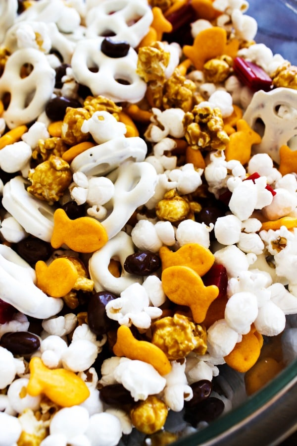 Horsetooth Trail Mix is an easy snack that you can mix together in just a few minutes. Perfect for playing a game with the kids or hiking with the family.