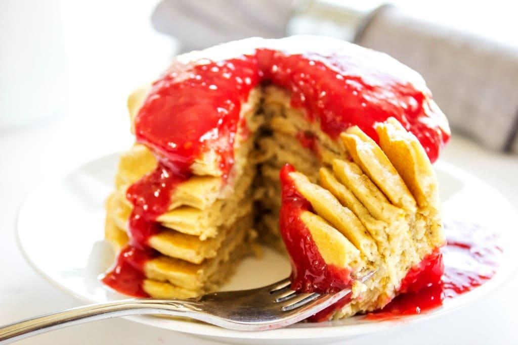 oatmeal pancakes recipe with raspberry sauce