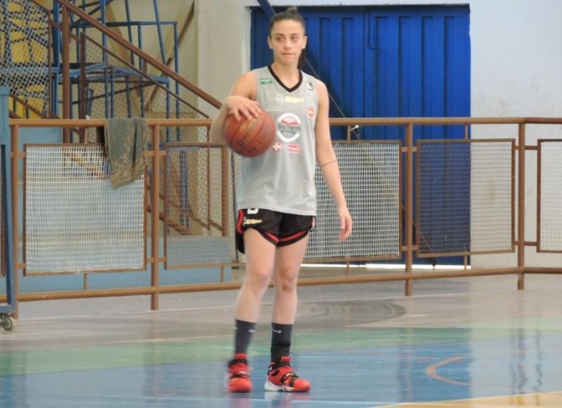 A ala/armadora Yasmim Gonçalves jogou a última temporada pelo Basquete Venceslau / Foto: Arquivo