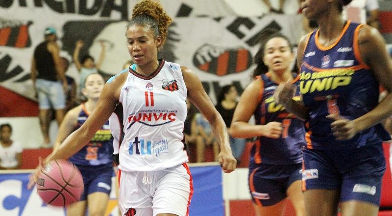 A armadora Joice Rodrigues foi bem, mas ainda não conseguiu levar equipe à vitória / Foto: Juca Ferreira/Funvic Ituano