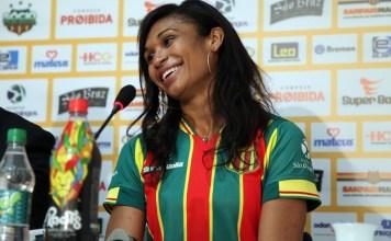 Iziane Marques brilhou com a camisa verde e amarela / Foto: Paulo de Tarso Jr/Divulgação