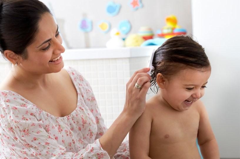 manfaat minyak kelapa untuk rambut bayi