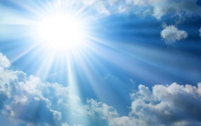 Risultati immagini per cielo con raggi solari