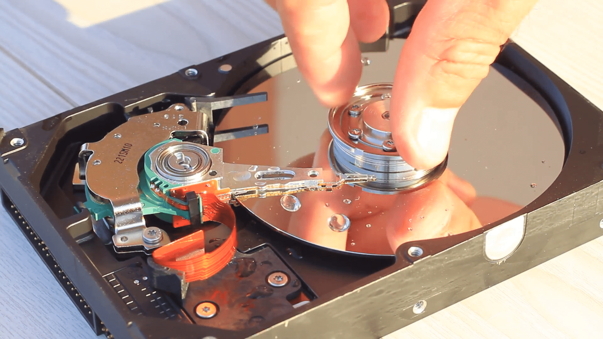 How Will Humidity Damage Hard Disk Drive (HDD)?