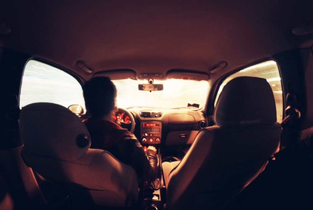 Should Men Pay for Women's Ubers??