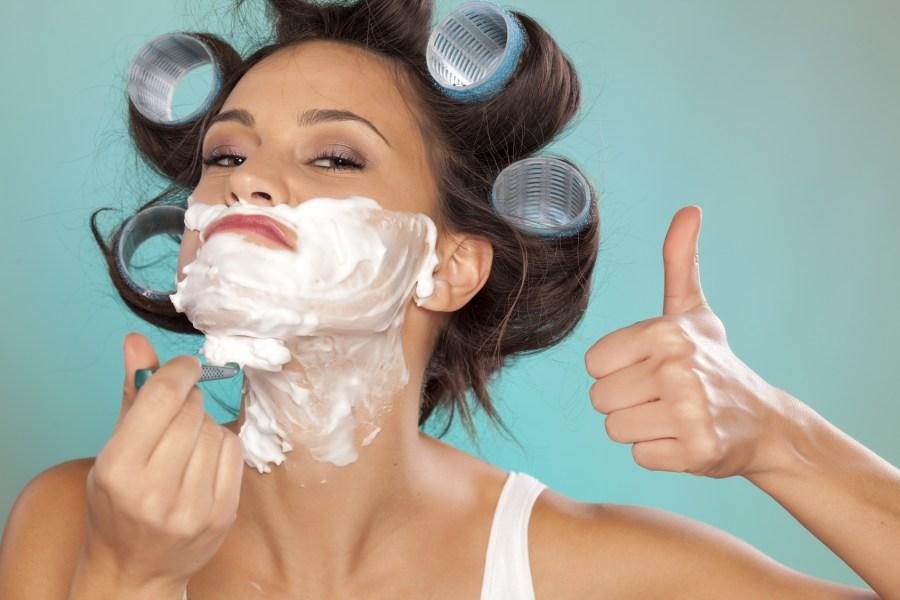 Woman Սափրվելու