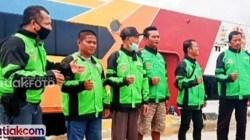 Persatuan Ojek Tuapejat Indah dukung kemajuan wisata Mentawai dengan membeli secara mandiri jaket untuk seragam para driver-nya.