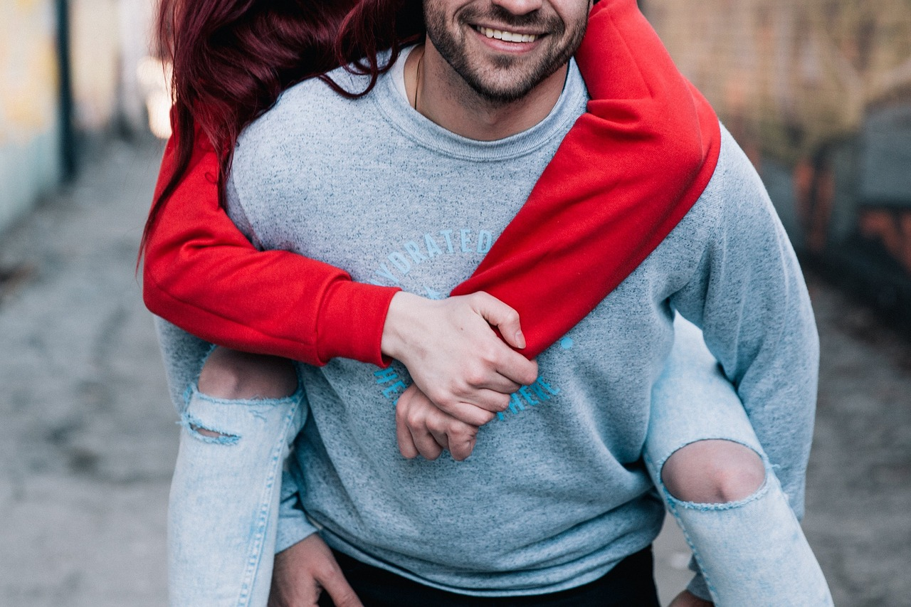 How can I tell if he likes me? 7 telltale Signs he really likes you