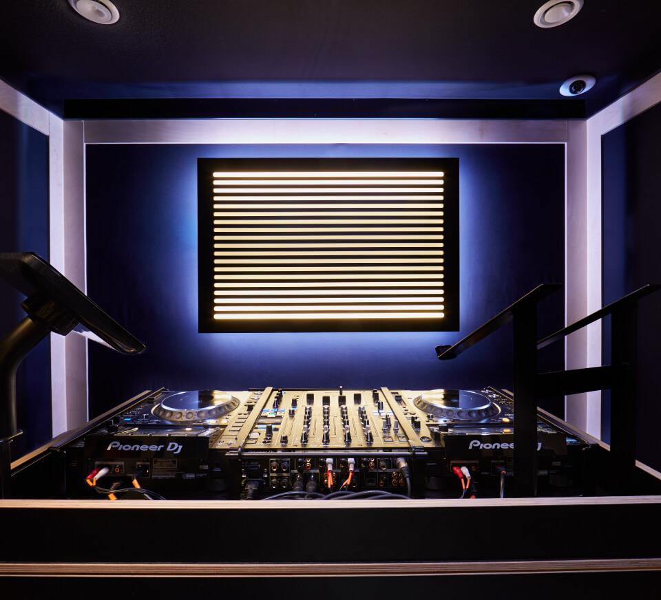 dj studios 24 7 private self service