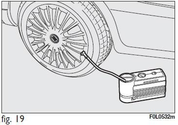 Fiat Croma: Kit di riparazione rapida pneumatici Fix & Go