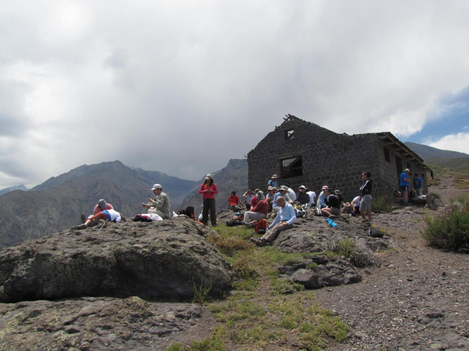 Trekking Familiar Yerba Loca – Refugio Alemán La Parva – 1° de Octubre