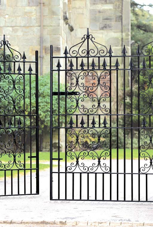 Royal-Monarch-Wrought-Iron-Style-Estate-Gates