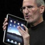 Steve Jobs with new iPad