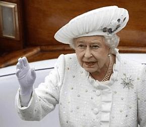 queen elizabeth II on the thames