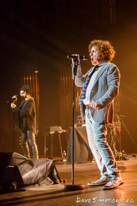 Leo Sayer and Lulu together live at the Civic Theatre, Auckland, New Zealand