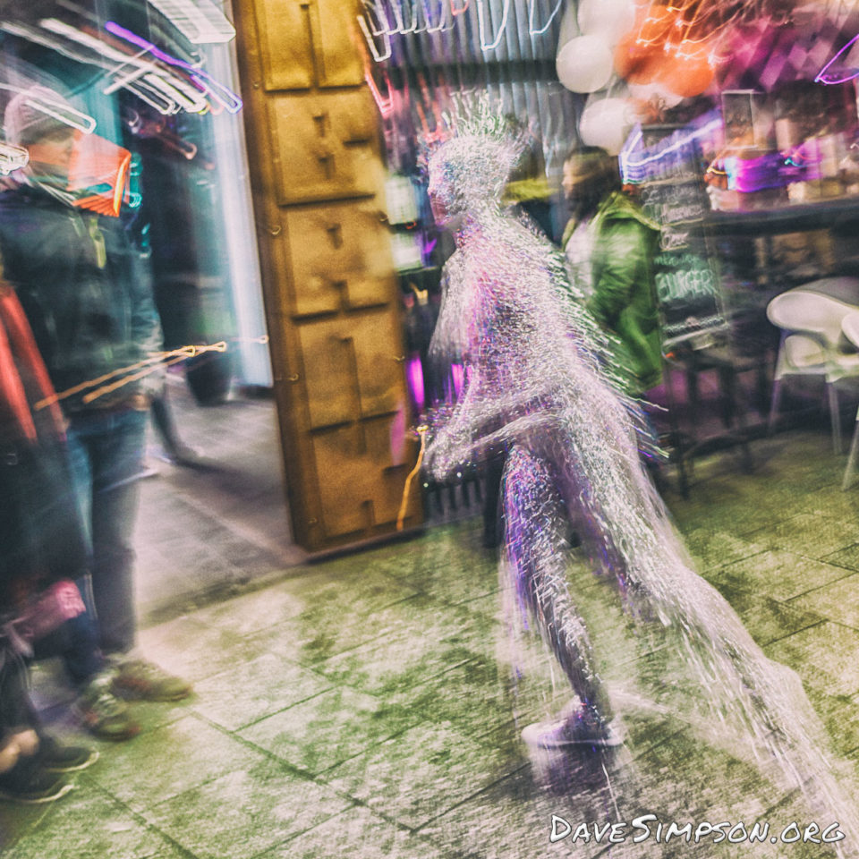 160804_Circus Glow Performance_11