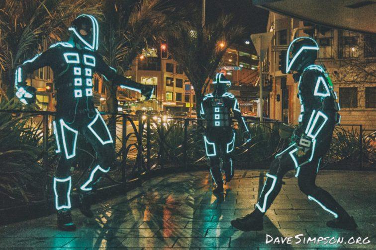 160804_Robotic Light Dancers_01