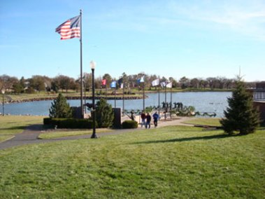 Capital Lake and Veterans Memorials