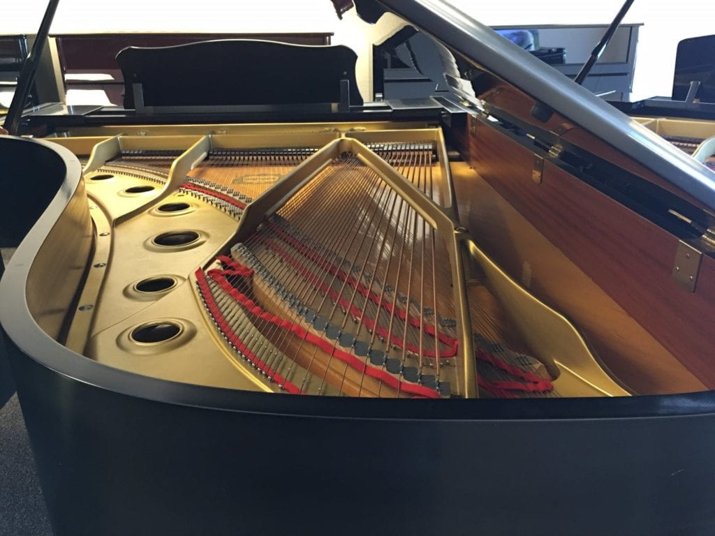 Incredible Yamaha C7 Semi Concert Grand Piano Non Gray