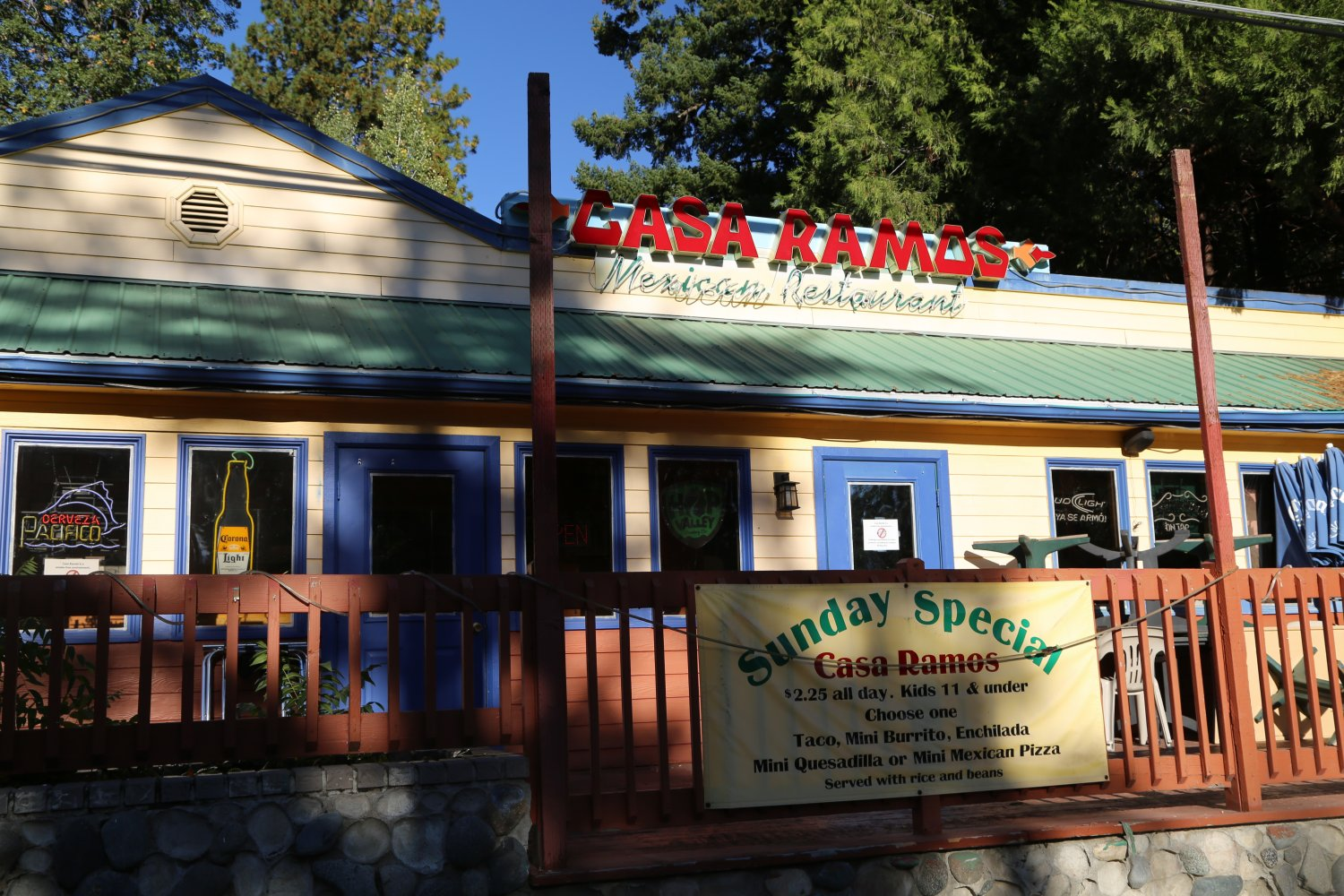Guides  Mt Shasta CA  Restaurants  Daves Travel Corner