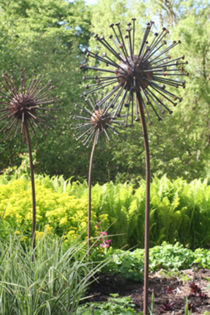 Metal Garden Stakes Yard Art