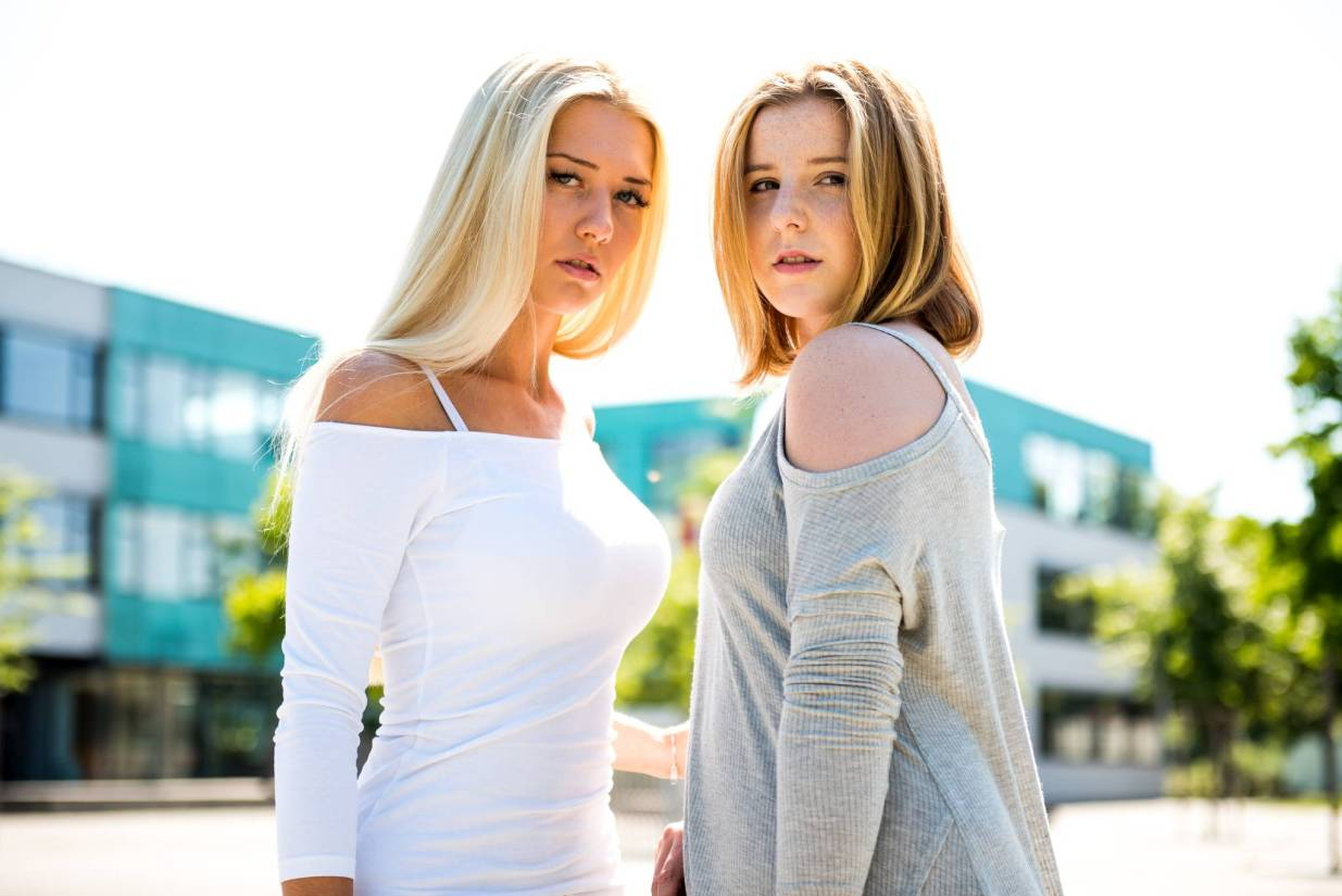 Jil and Rebecca at Realschule Aschaffenburg