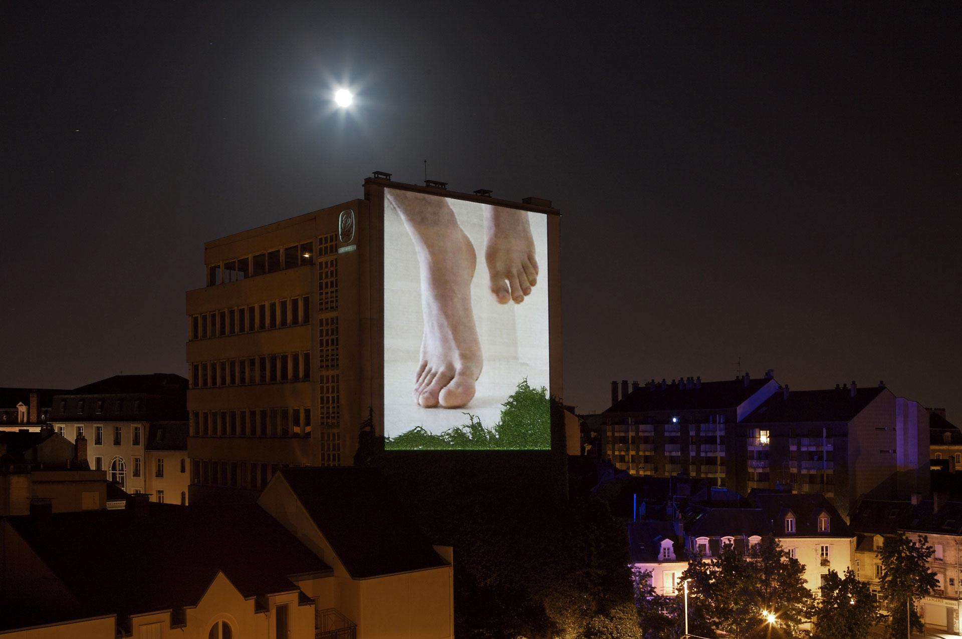 Watching my feet (2006)