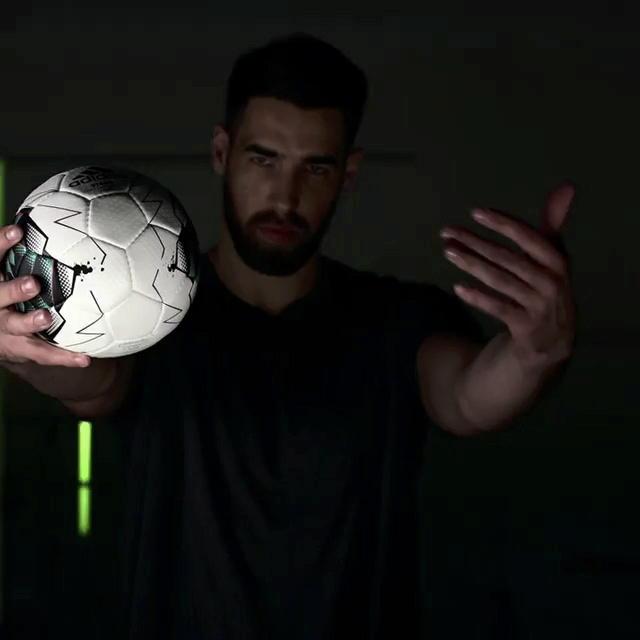 AdidasHandball2-3