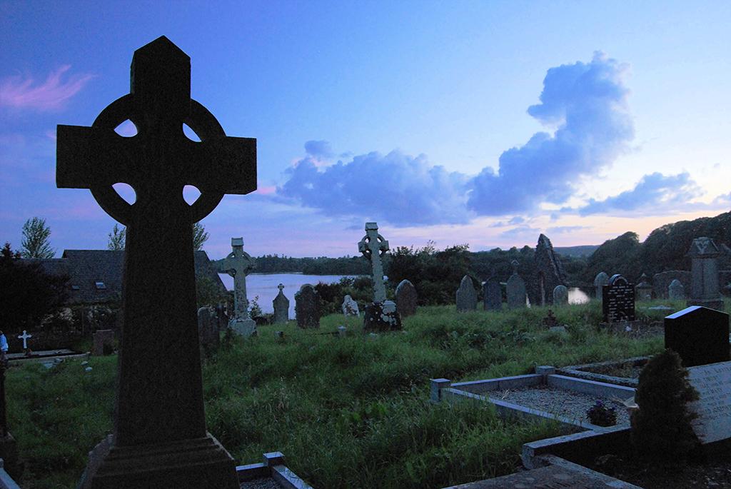 Donegal-graveyard-1024l