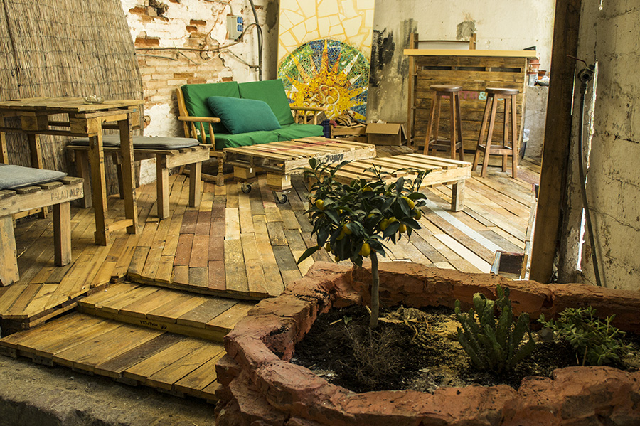 DIY  comment faire une terrasse en palettes de bois