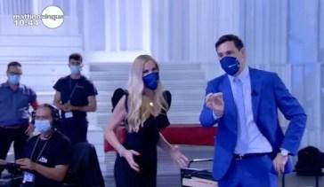 Mattino Cinque: Federica Panicucci e Francesco Vecchi salutano il pubblico e danno appuntamento al 6 settembre – Video