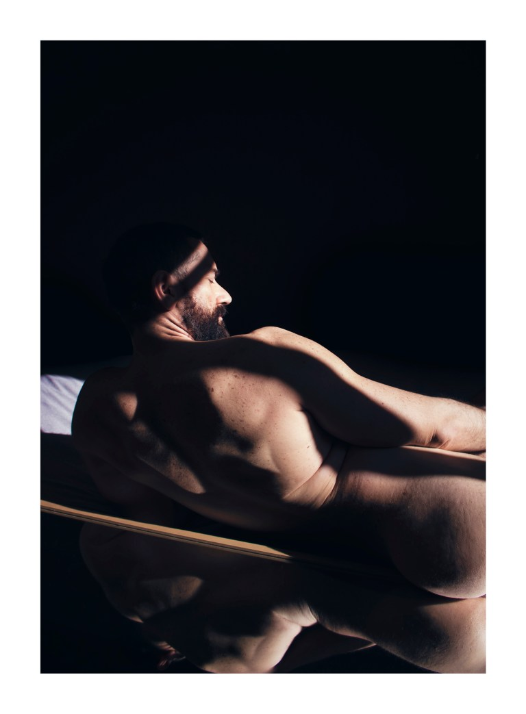 Naked Photography - I keep your photograph beside my bed - David Guillén