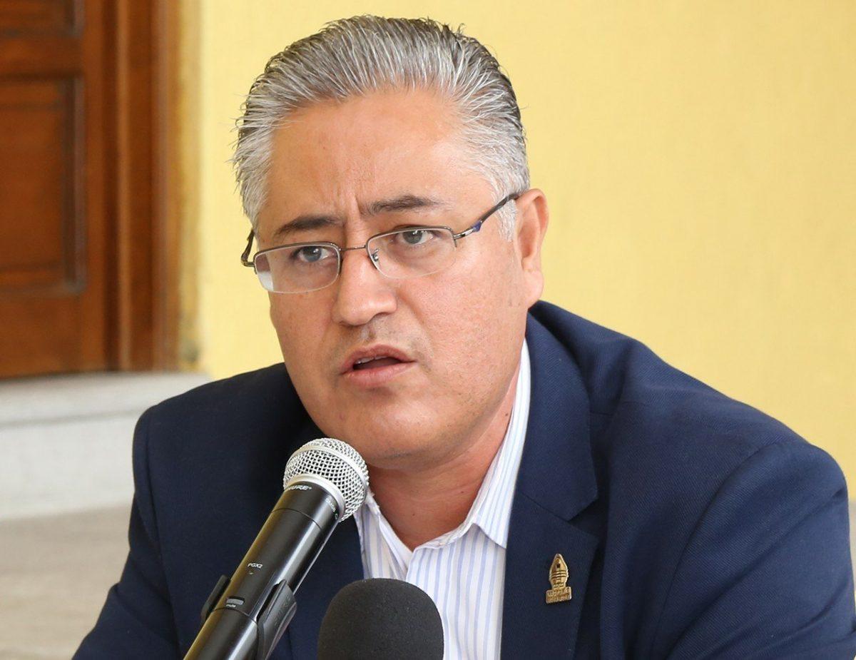 Detienen al ex rector de la Uaemorelos, Alejandro Vera