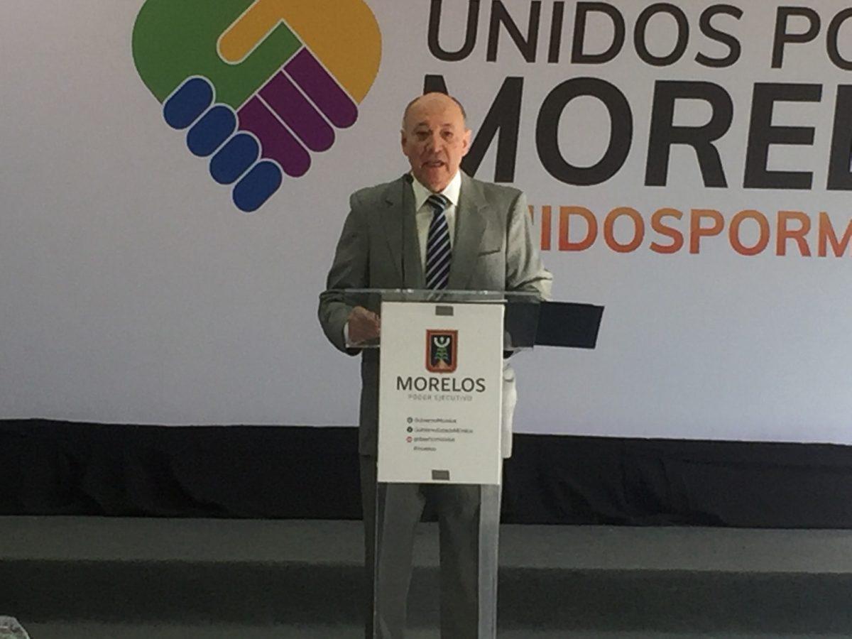 Casi la mitad de vehículos de Morelos, con rezagos: Michel