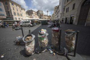 foto-cestini-spazzatura-roma