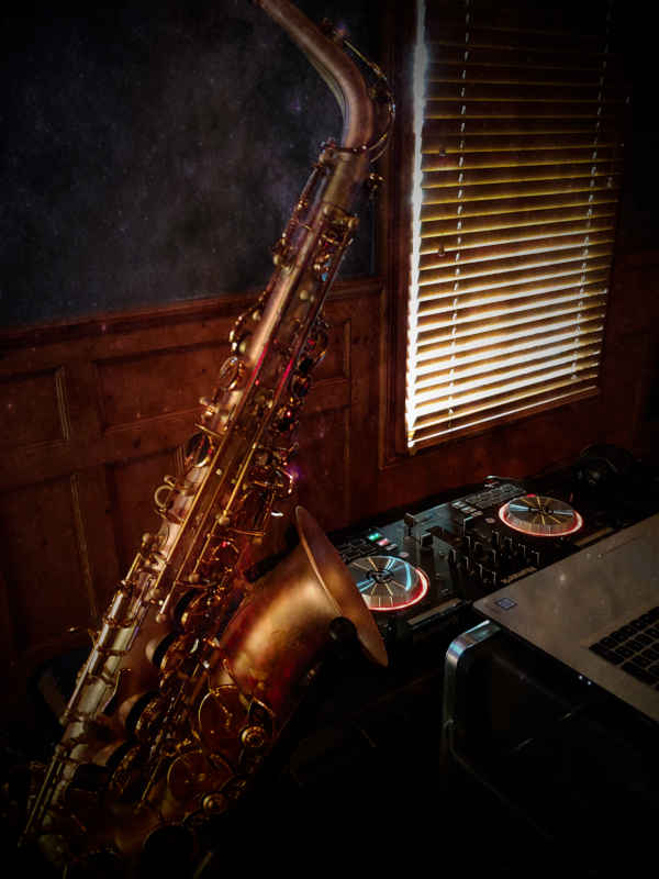 Saxophone and Disc Jockey for Events