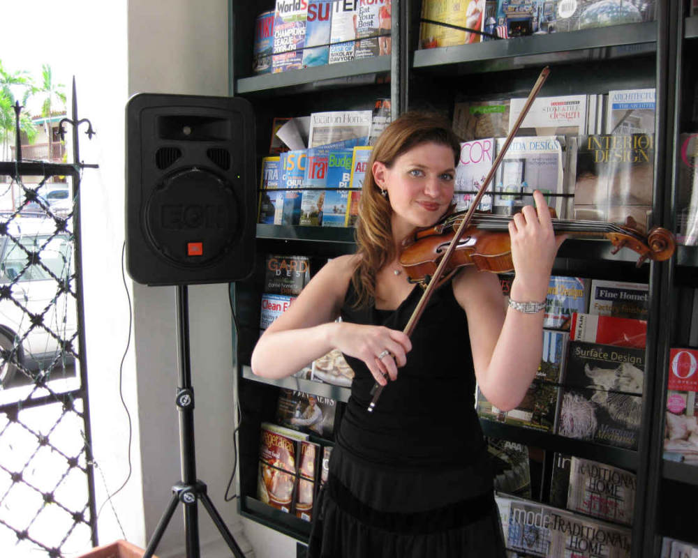 Book Signing Violinist in Sarasota