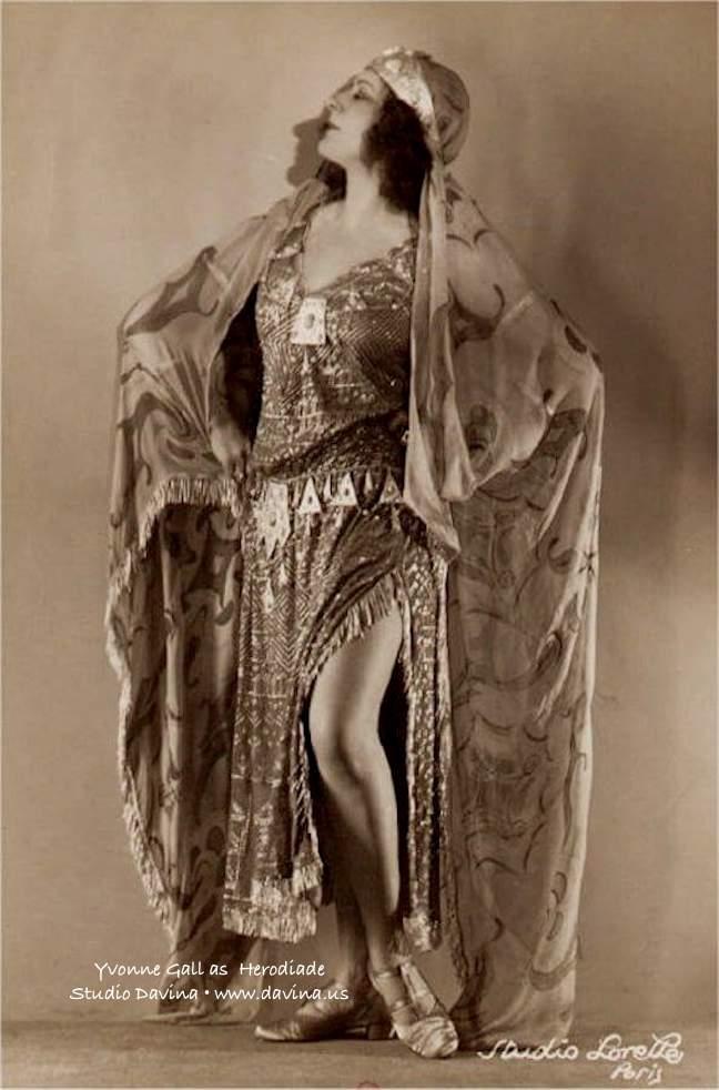 Yvonne Gall as Herodiade | Studio Davina • www.davina.us