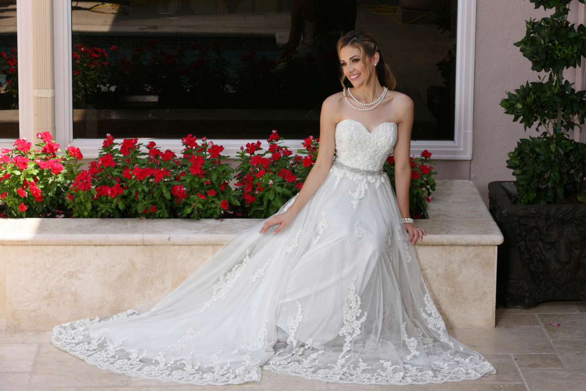 How To Choose Your Wedding Dress By Body Type 6 Important Tips