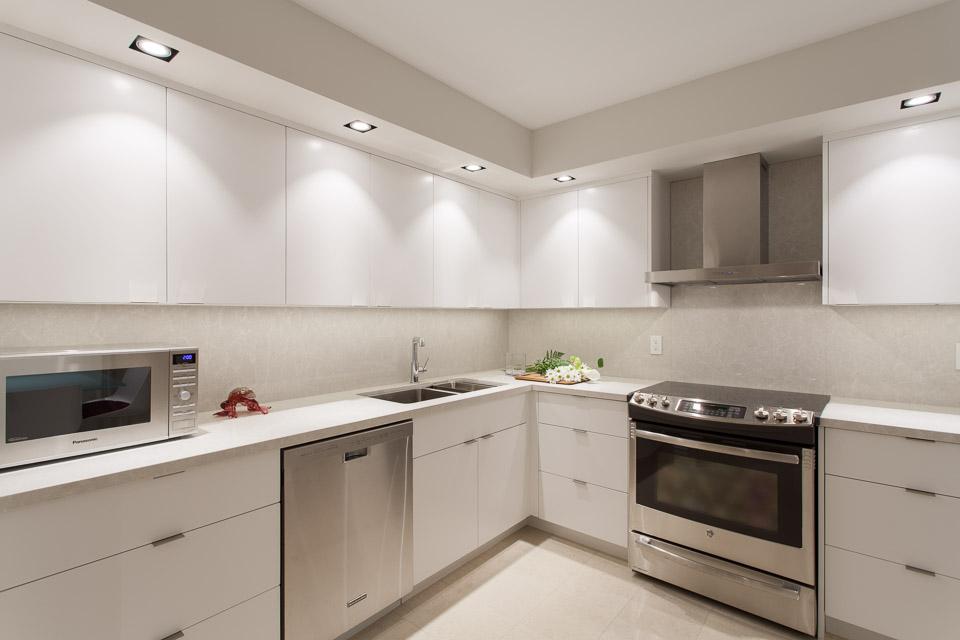 Contemporary Kitchens Toronto  Design  Renovation