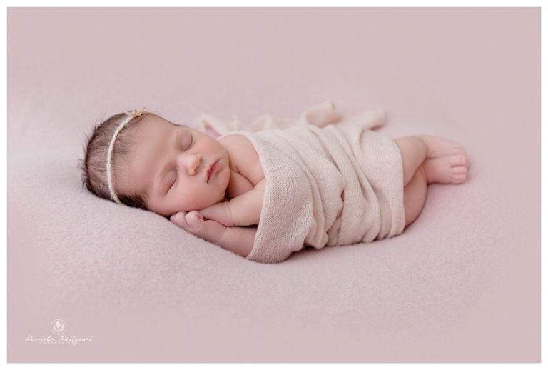 Neugeborenenfotos  Newbornshooting  Babyfotos Baby