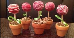 Cake Pops by Dawne