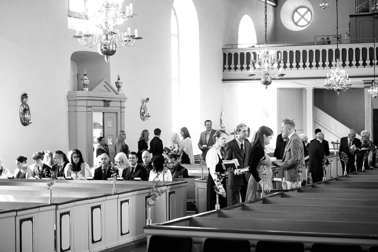 bröllop vårdnäs kyrka_bröllopsfotograf östergötland_01